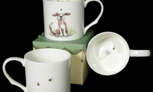 GSM49 Bee Happy Mug & Card Gift Set